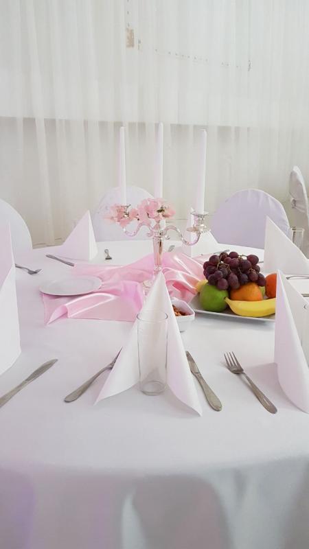 Rosa-Tischdeko